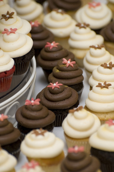 pastries and cupcake_480