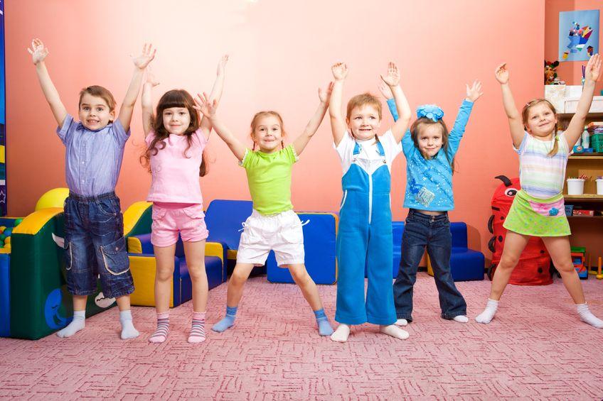 toddler love dancing