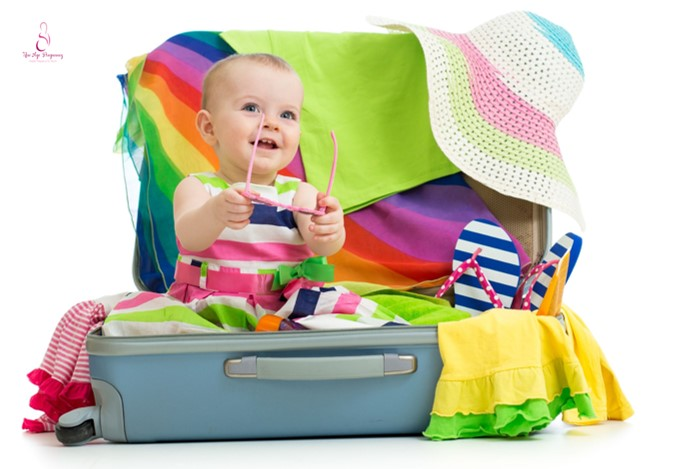 tips for travelling with a baby while breastfeeding